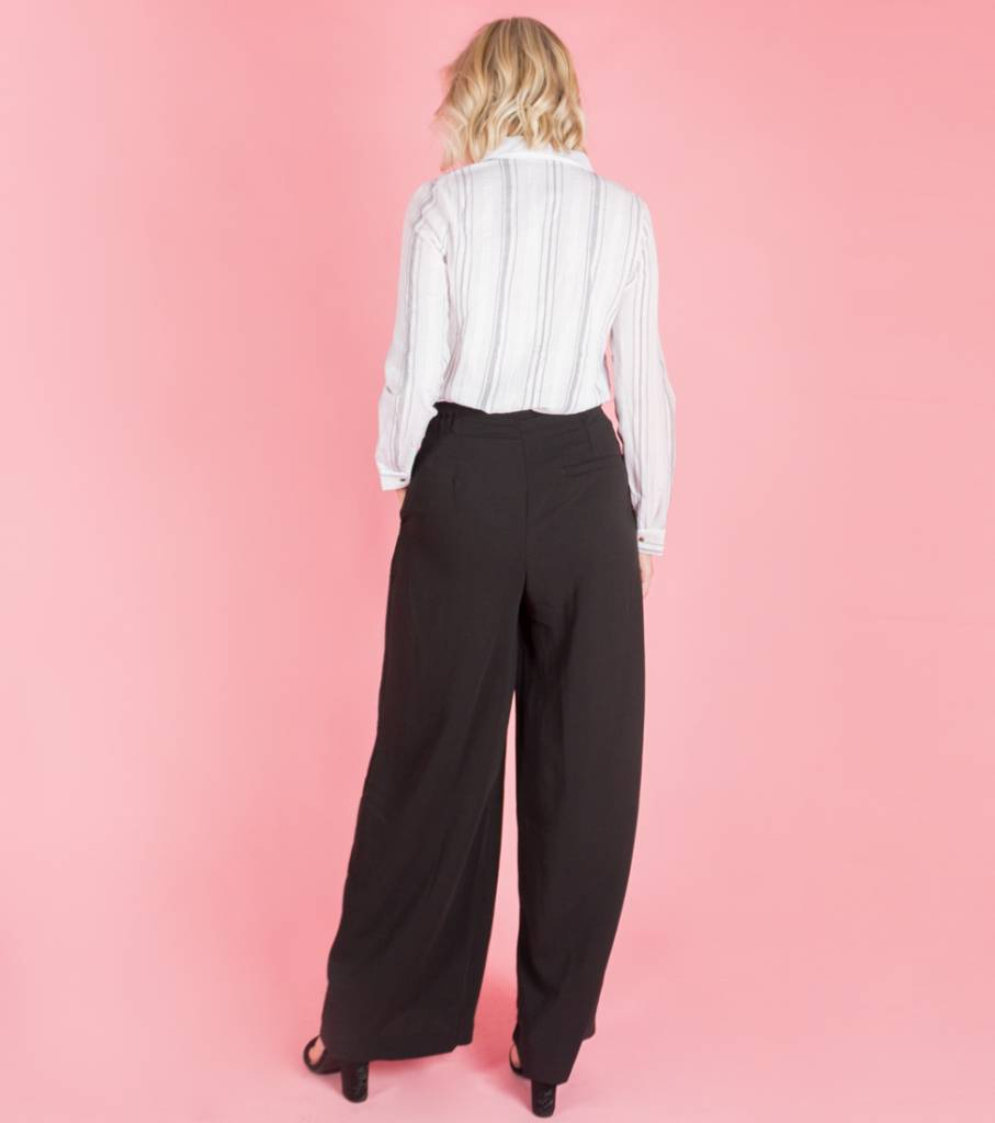 WALK LIKE A LADY BLACK TROUSERS