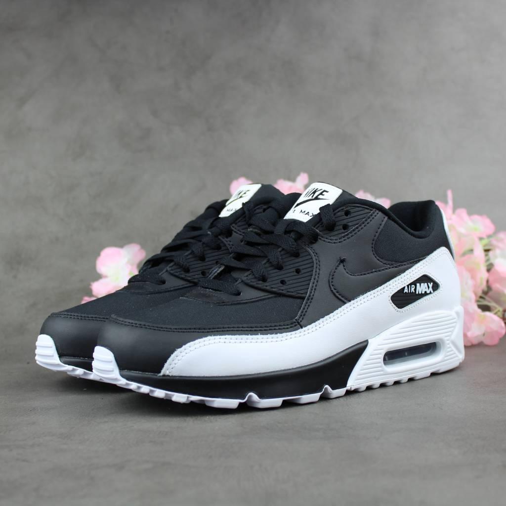 0edfa0267da35 Nike Air Max 90 Essential - Black White - Sunika Amsterdam