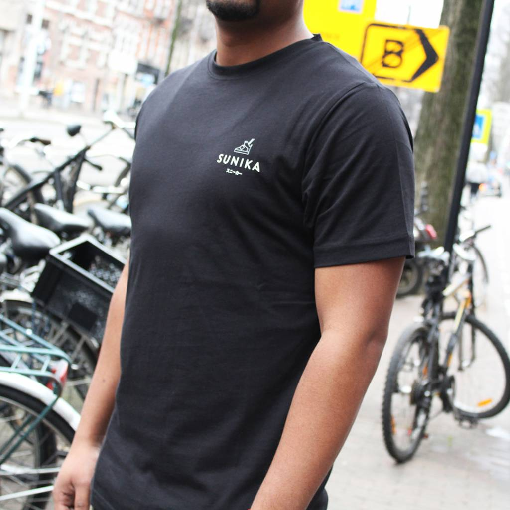 Sunika T-Shirt (Black)