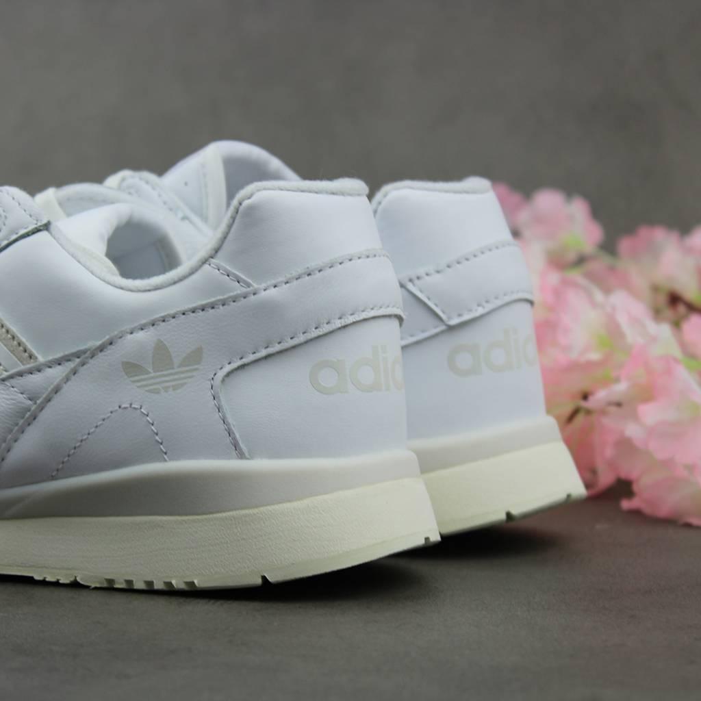 Adidas A.R. Trainer (White) CG6465