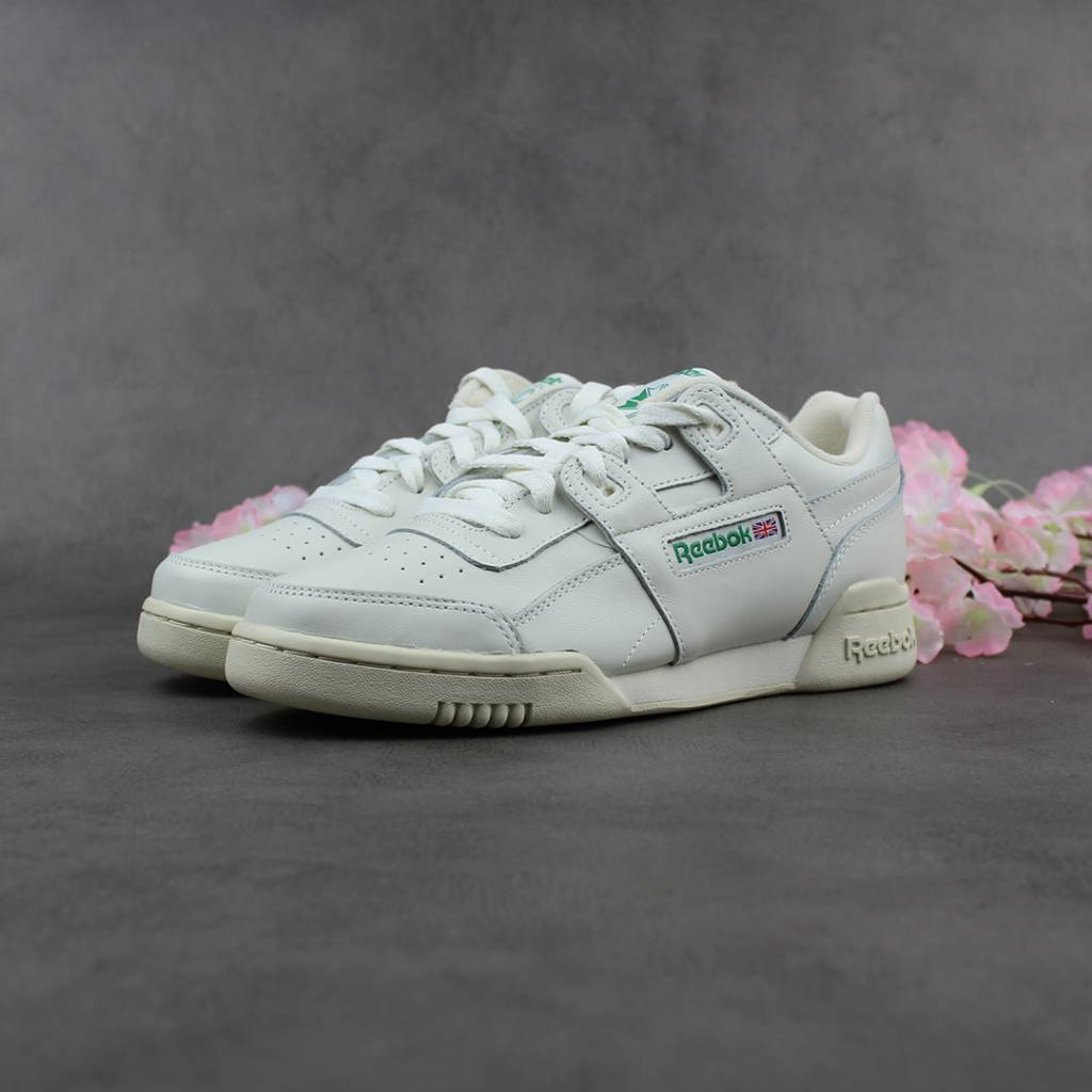 760a3047643 Reebok Workout Lo Plus (Chalk) DV3735 - Sunika Amsterdam