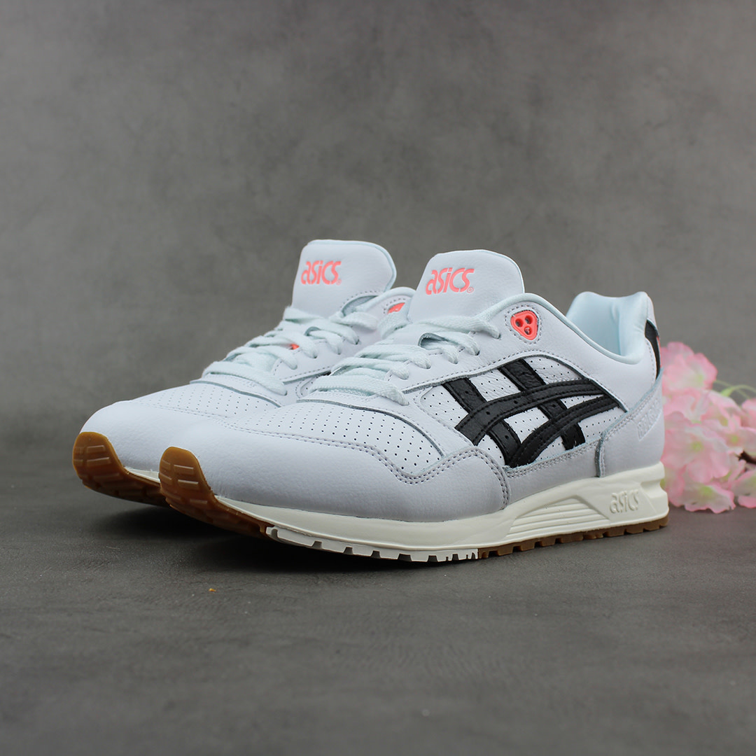 uk availability eb1cd 8e0be ASICS Tiger Gel-Saga (White/Black) 1191A057-101