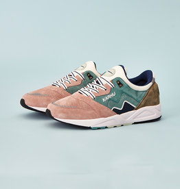 Karhu Aria 95 'Color of Mood' F803067