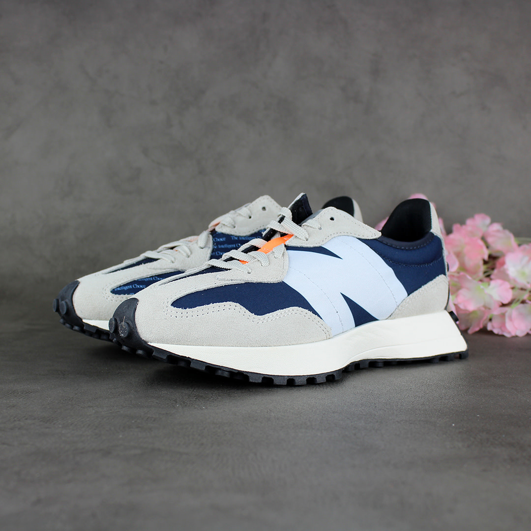 New Balance WS327BA (White/Outer Space)