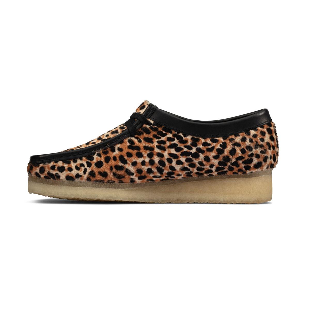 Clarks Wallabee L (Leopard Print) 26160033