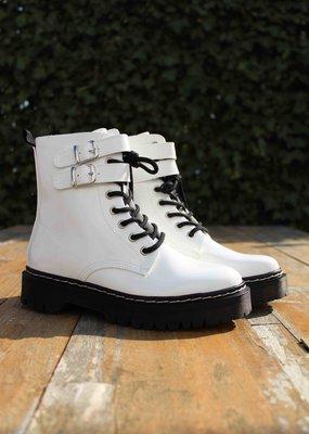 Boots wit gesp