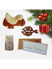 Sattelmax Gutschein Geschenkpaket mit Sitzfell und Sporenriemen