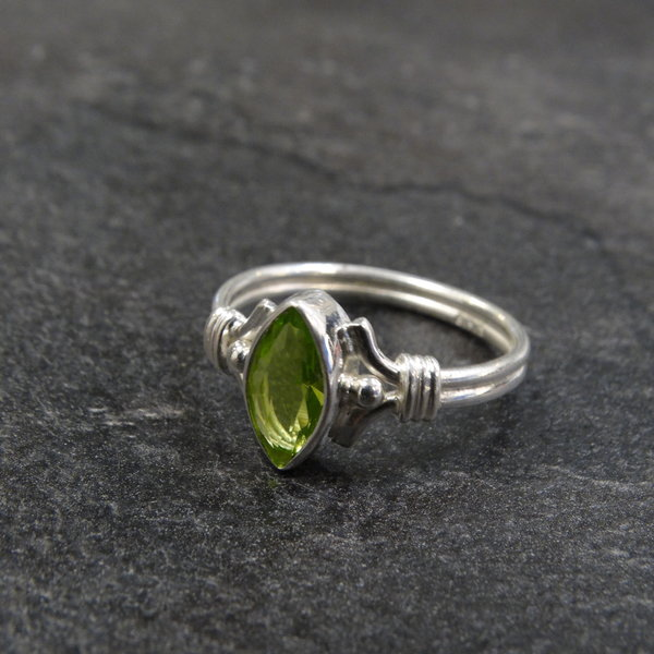 Peridoot ring - 925 sterling zilver