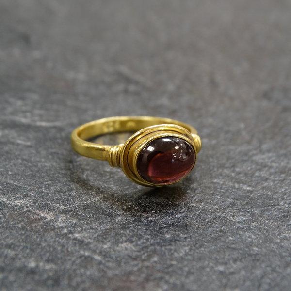 Granaat ring - 925 zilver verguld