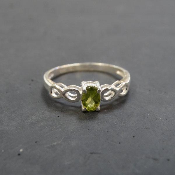 Peridoot ring - 925 sterling zilver