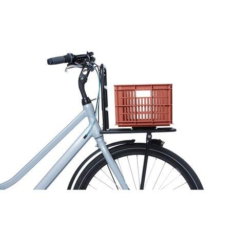 Basil Fietskrat Crate S 17,5L Terra Red voor MIK/Racktime