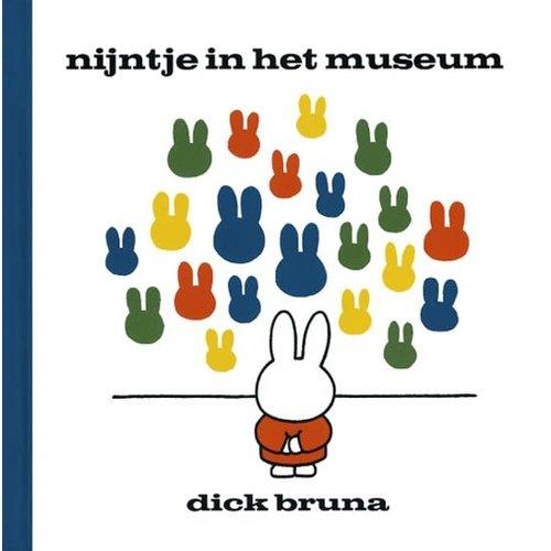 Nijntje in het museum. Dick Bruna