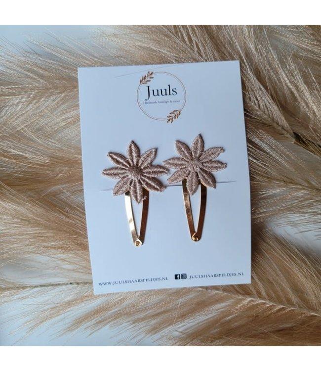 Juuls Klik klak Haarspeldje 4 cm Flower Taupe