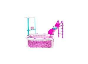 Mattel Barbie - Glam Pool, inkl. Glitzerrutsche, Pudel mit Sonnenbrille und Luftmatratze