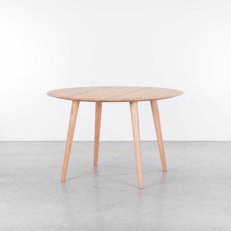 Olger round table Beech