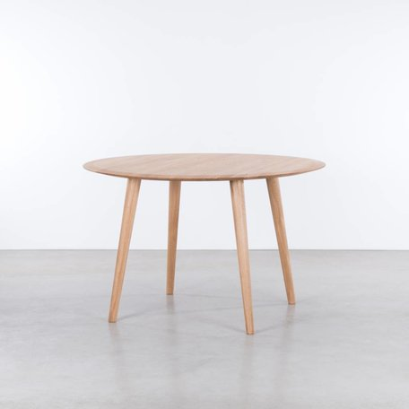 Olger round table Oak