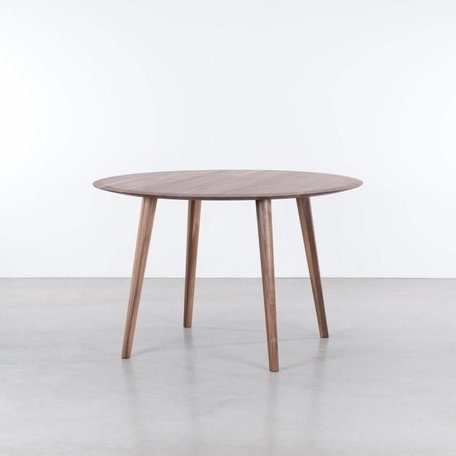 Olger round table Walnut