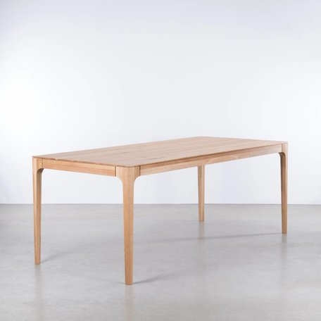 Rikke Table Oak