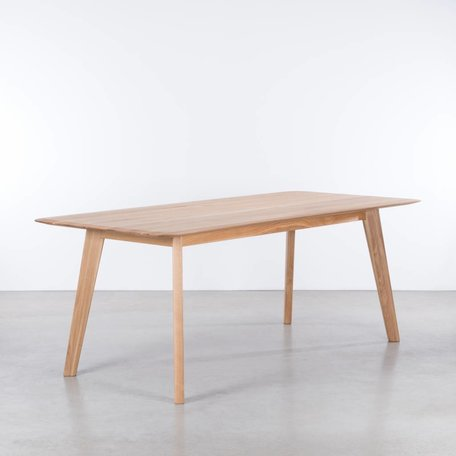 Samt Table Oak