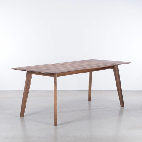 Samt Table Walnut