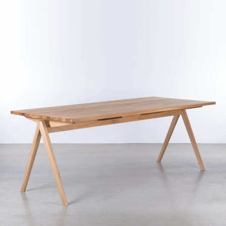 TD4 Wood Table Oak
