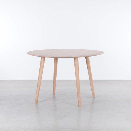 Olger round table Oaks Whitewash