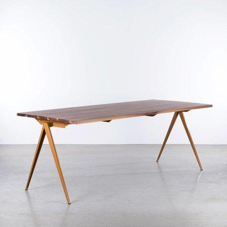 TD4 Table Ocher brown / Walnut