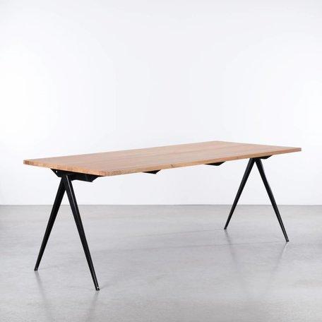 TD4 Table Black - Oak