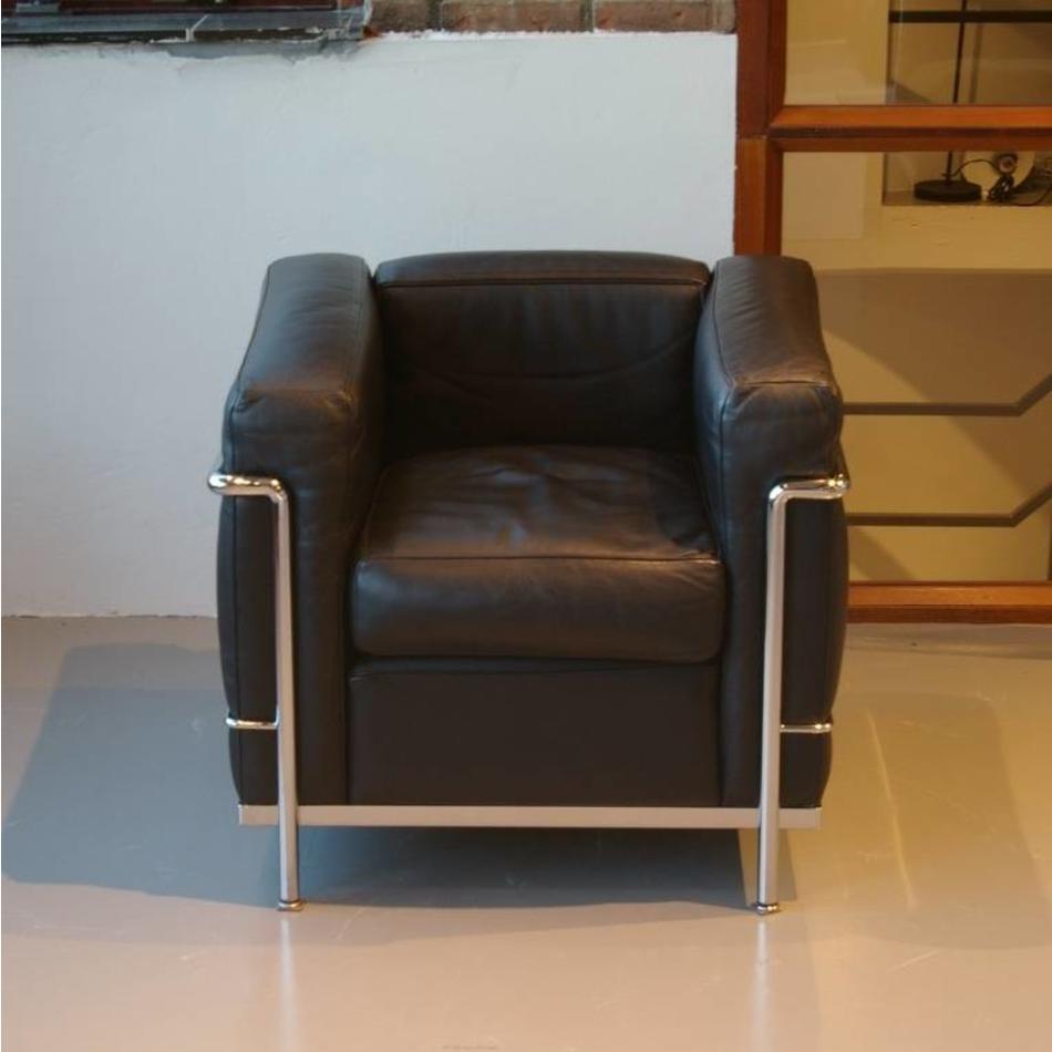 Design Fauteuil Zwart Leer.Le Corbusier Lc2 Fauteuil Cassina Zwart Leer