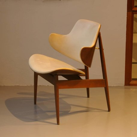S. J. Wiener Clam Shell Chair Kodawood