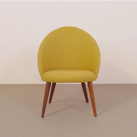 deens fauteuilje Ejvind Johansson stijl vintage 60s geel wolvilt