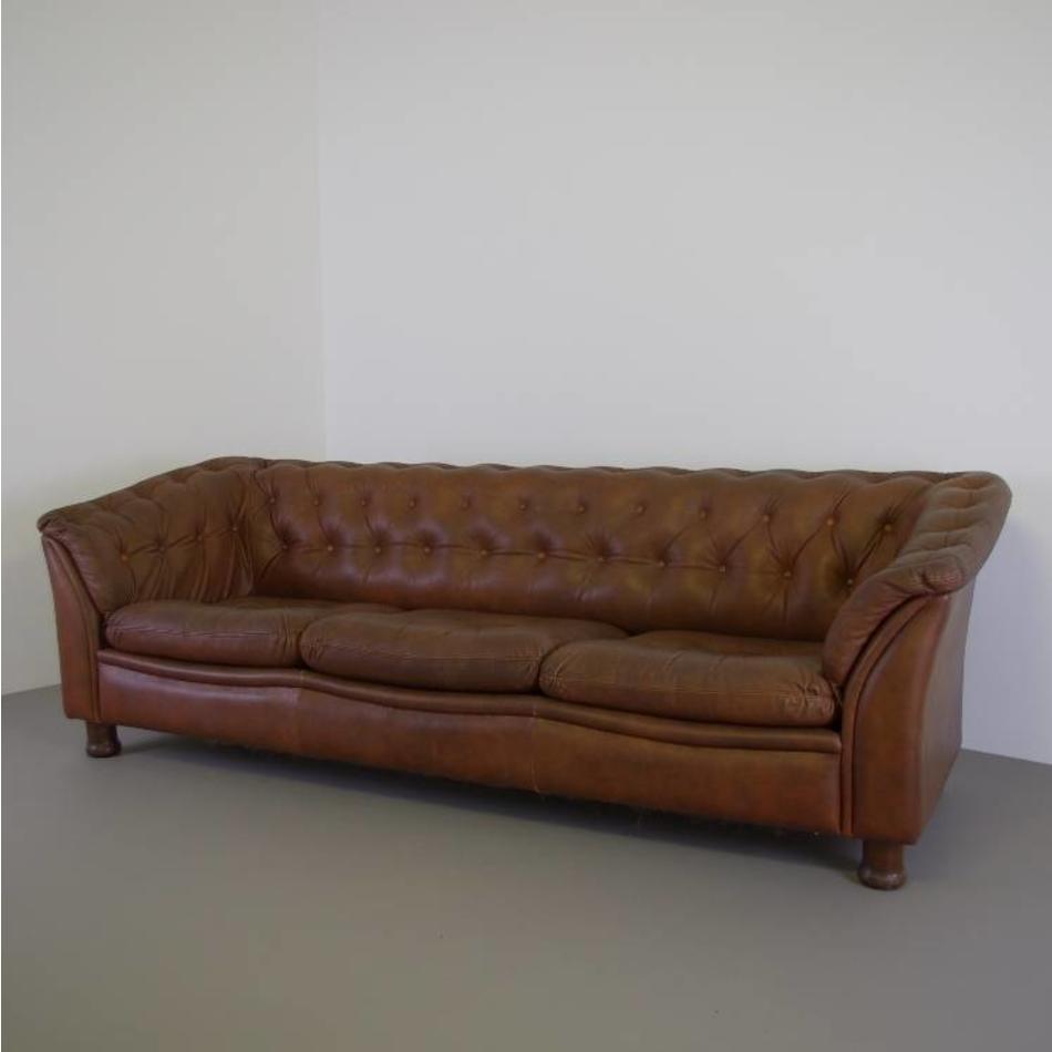 Leren Sofa Bank.Stoere Vintage Leren Bank Met Veel Knopen