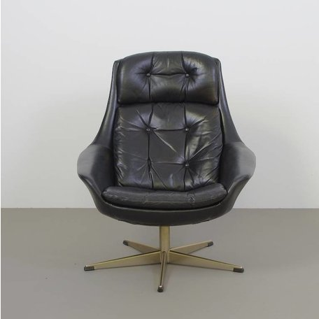H.W. Klein vintage draai fauteuil in zwart leer