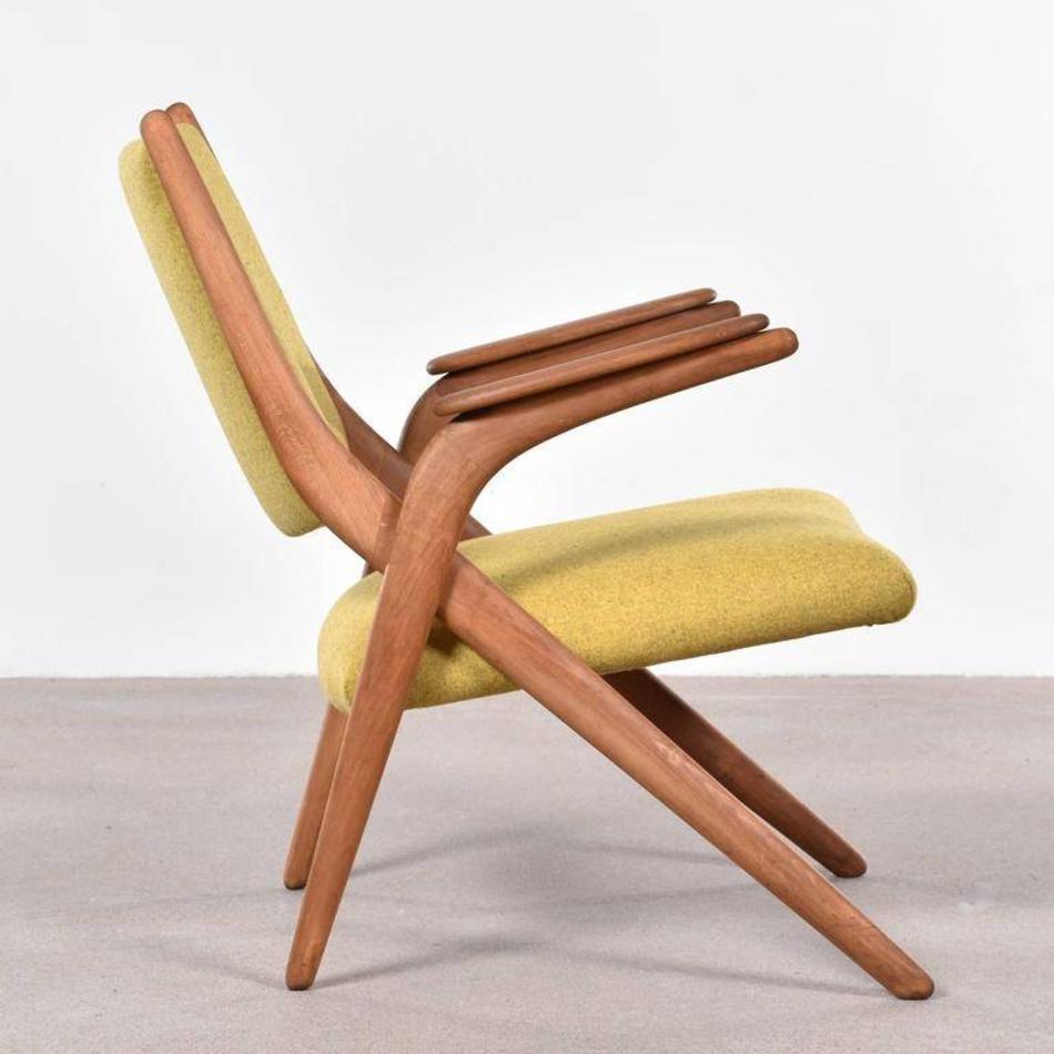 Houten Design Fauteuil.Elegante Houten Stoel Met Gekruist Frame Deens Jaren 60 De
