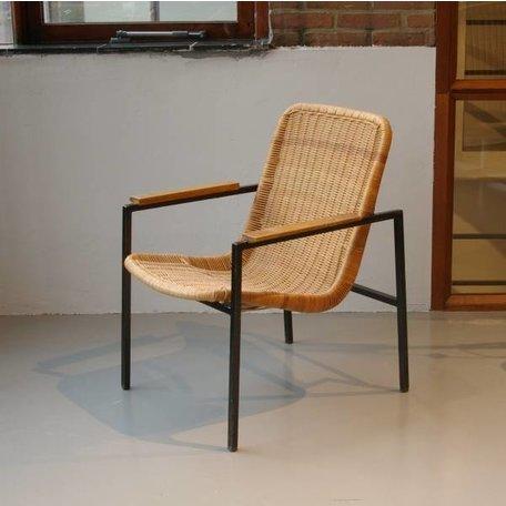 Dirk van Sliedregt fauteuil zwart frame en rotan