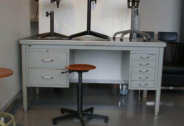 Ahrend oda bureau met lade grijs staal blad desktop linoleum