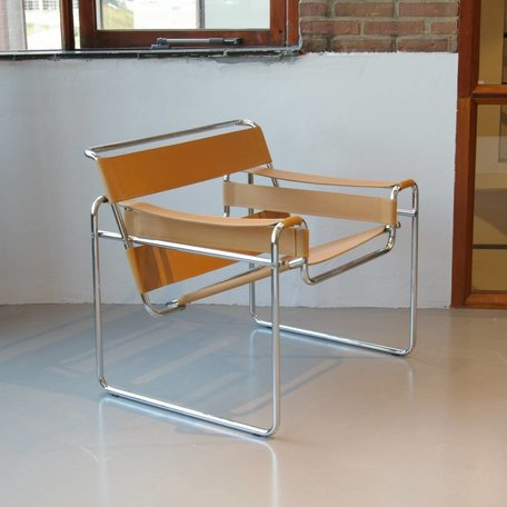 Marcel Breuer Wassily chair leather camel