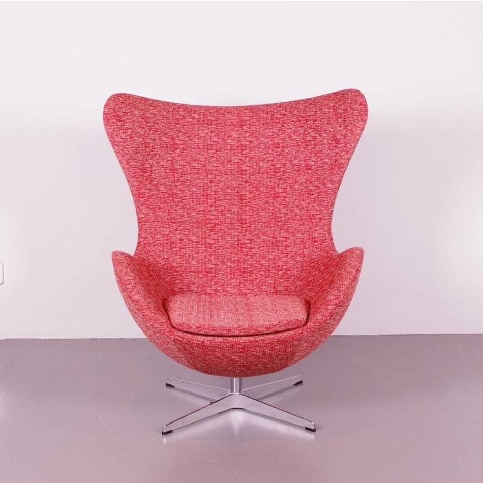 Ei Stoel Ontwerper.Arne Jacobsen Egg Chair Fauteuil Met Orginele Rood Witte Wol