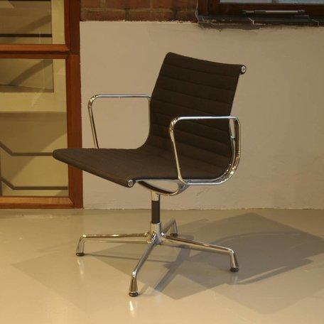 Eames EA108 - Zwart hopsak