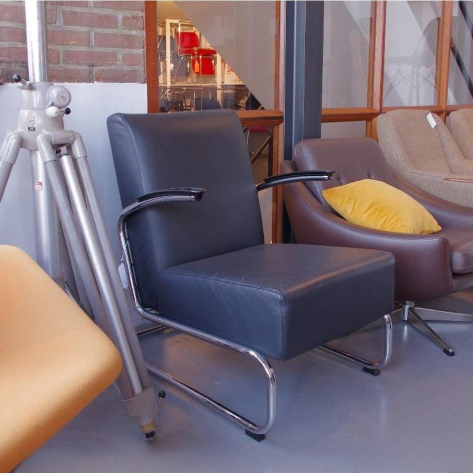 Dutch Design Stoelen Gispen.Gispen 405 Fauteuil Dutch Originals Zwart Leer De Machinekamer