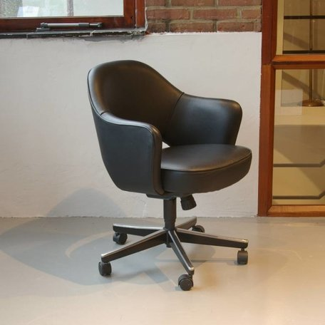 Saarinen executive armchair - Leer