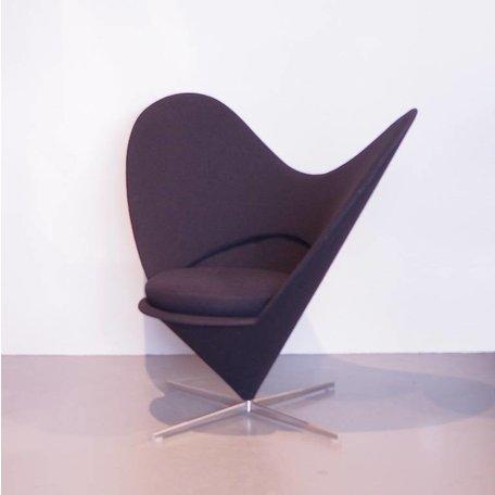 Verner Panton heart cone chair zwart Vitra