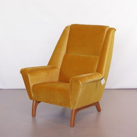 Deense fauteuil jaren 60 geel / goud velours bekleed