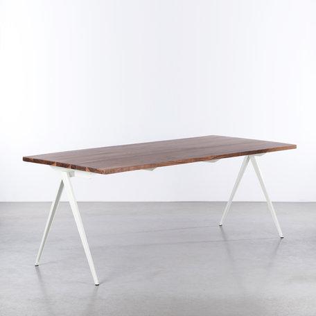 TD4 Table White / Walnut