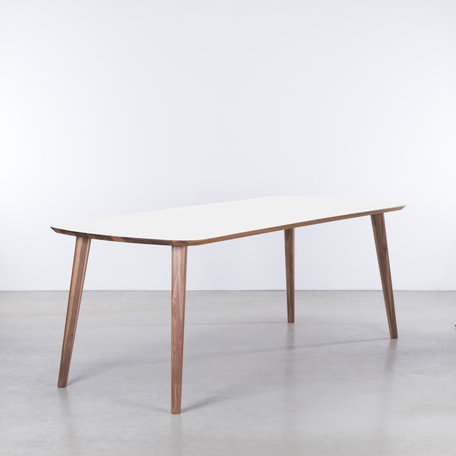 Tomrer Table White Fenix top - Walnut legs