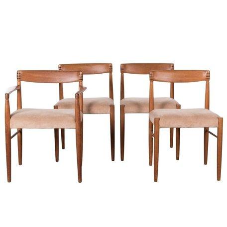 Klein stoel met mooi houtwerk