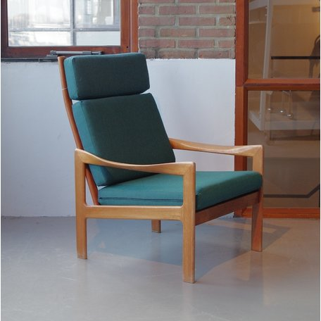Illum Wikkelso fauteuil groen bekleed teak frame Eilersen