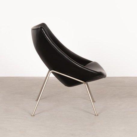 Pierre Paulin little oyster fauteuil zwart skai Artifort