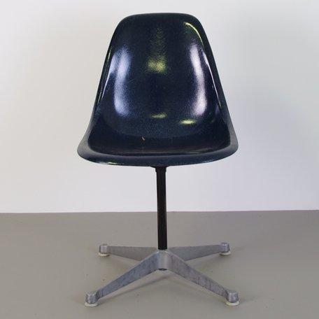 Eames Fiberglass PSC chair - Navy Blue