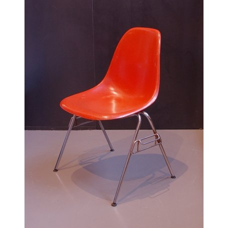 Charles And Ray Eames Fiberglass Chair - Orange